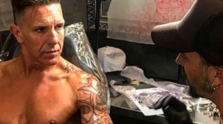 El enorme tatuaje que se hizo Alejandro Fantino en su brazo