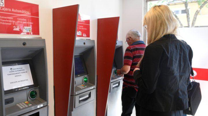 Sólo se podrán realizar operaciones a través de los cajeros automáticos.