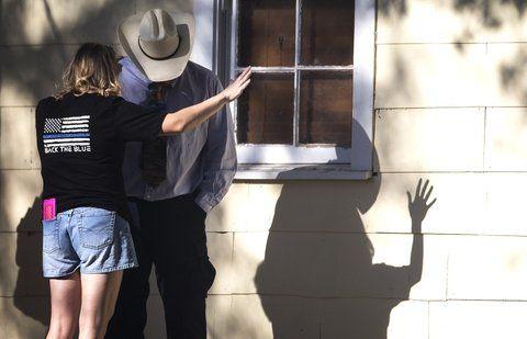 horror en texas. Una sobreviviente de la masacre cuenta el ataque a un policía en el pequeño pueblo del sur de Texas.