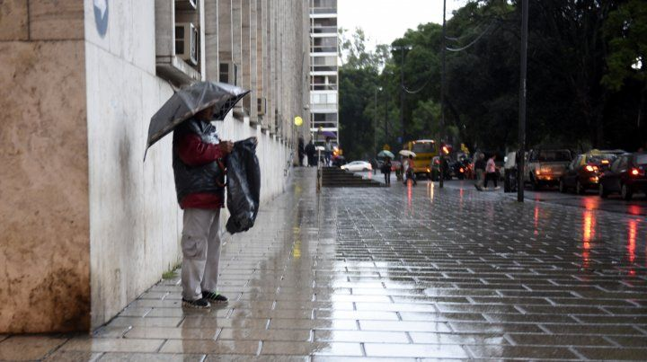 La jornada arranca con lluvias y temperatura que ira en ascenso.