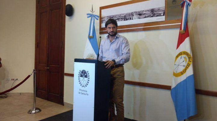El ministro de Seguridad provincial dio su versión sobre las escuchas en una conferencia de prensa. (Foto: gentileza Uno de Santa Fe)