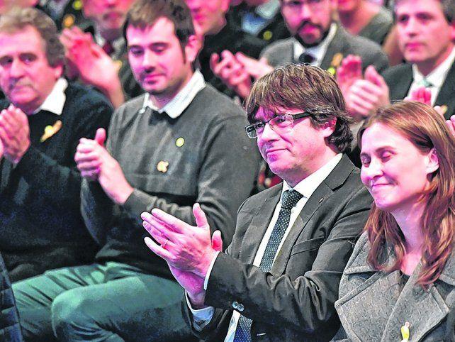Respaldo. Los alcaldes catalanes organizaron un acto de protestas en Bruselas