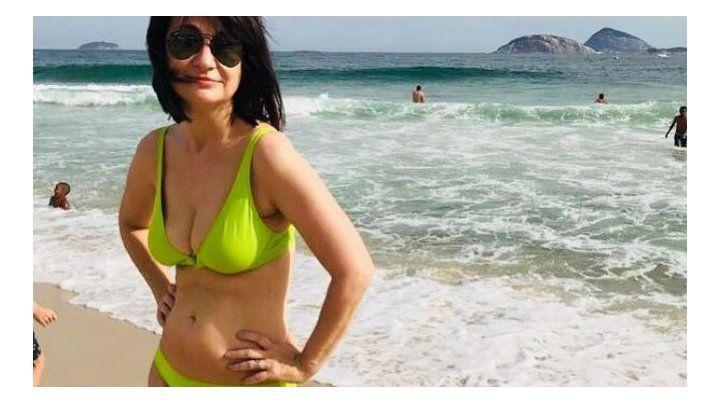 María Laura Santillán se mostró en bikini como nunca antes