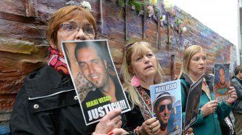 familiares de victimas de salta 2141 piden ser recibidos por macri