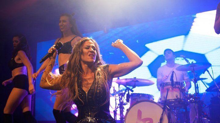 Jimena Barón la rompió en su debut en La Trastienda