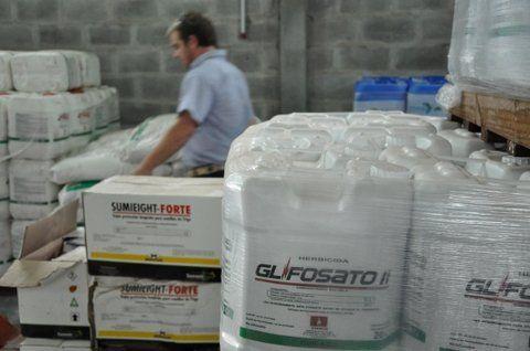 herbicida. Quieren evitar peligros por el uso del glifosato.