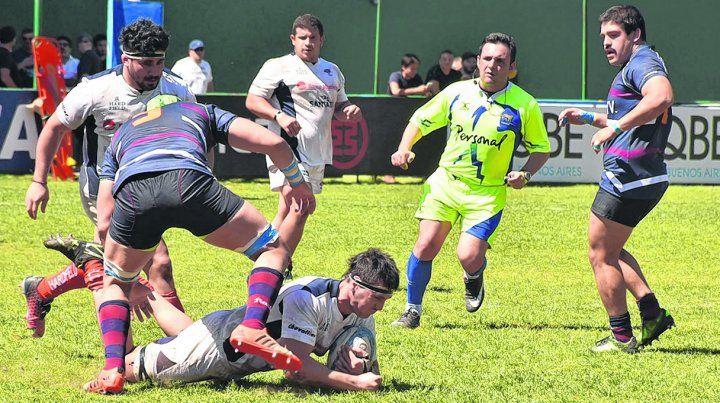 Ida y vuelta. Rosario y Buenos Aires jugaron un partido que tuvo un marcador abierto hasta el final.
