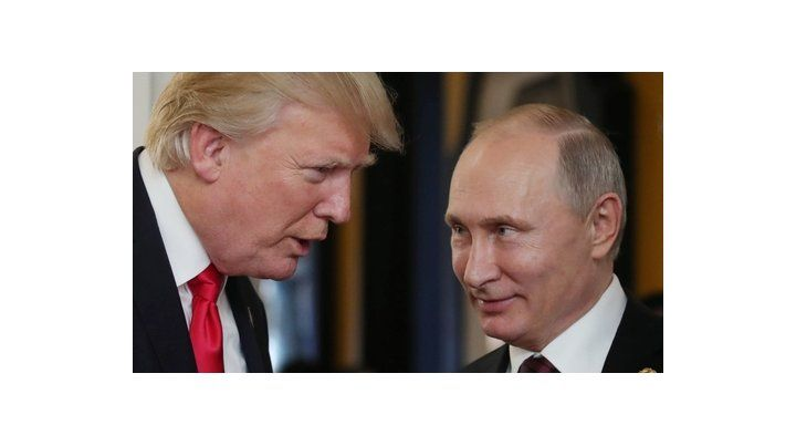 entre amigos. Trump se mira amistosamente con Putin en Danang