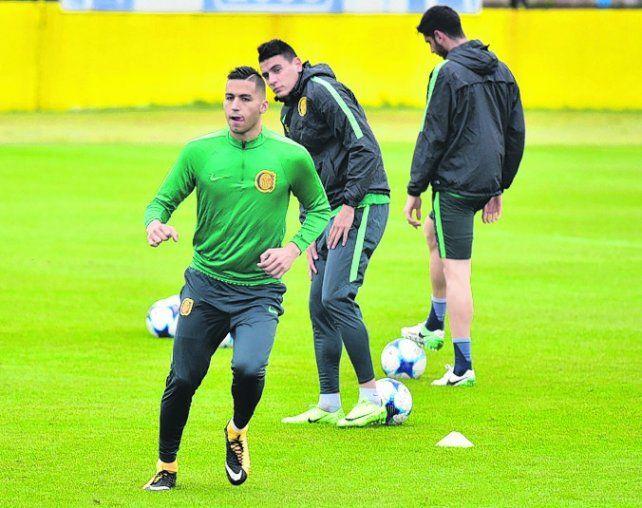 Zagueros. Tobio jugaría y Martínez podría acompañarlo. Alfani espera su chance.