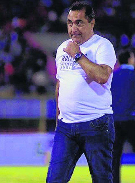 Julio Zamora. El actual técnico de Real Potosí está en coma farmacológico.