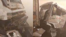 Asi quedaron los chasis de los camiones que protagonizaron choques en la región.
