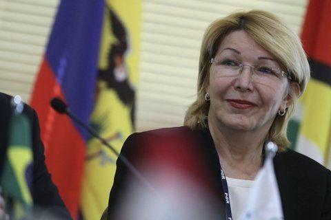 Fiscal en el exilio. Luis Ortega Díaz estuvo ayer en La Haya para presentar la denuncia ante la CPI.