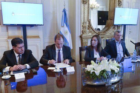 La firma. María Eugenia Vidal