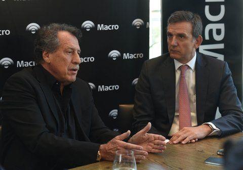 Expansión. Jorge Brito (izquierda) con Gustavo Manriquez en la rueda de prensa en un hotel rosarino.