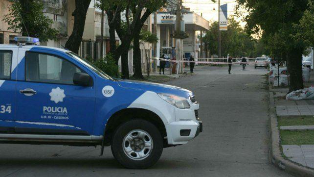 La policía de Casilda trabaja en Tucumán y Ovidio Lagos donde ocurrió el homicidio.