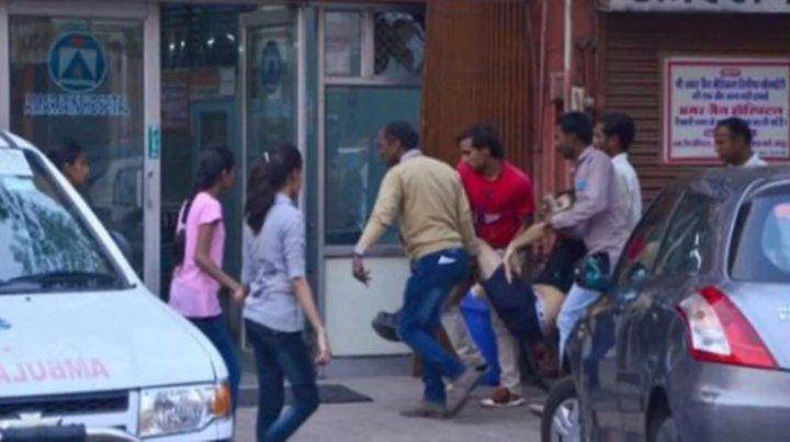 Un argentino murió tras ser atacado por un toro en plena calle de India