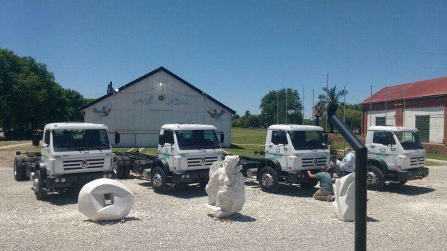 Equipos. Los cuatro camiones