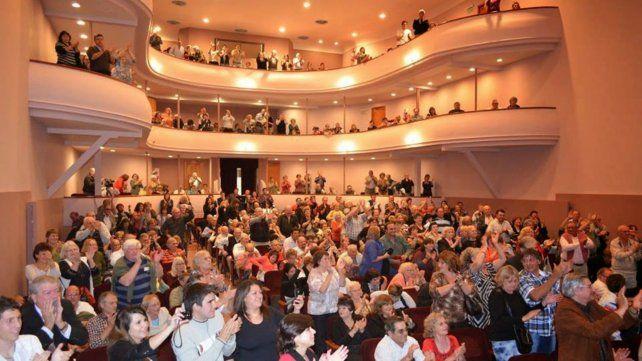 Proyectan muchas funciones. Todo el esplendor del teatro al servicio de los espectadores.