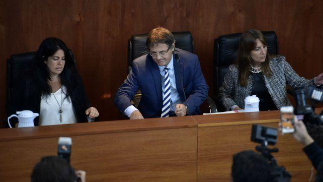 Los jueces que presiden el juicio a la banda de Los Monos.