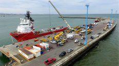 El buque Sophie Siem, de la petrolera Total, transportará el minisubmarino de Estados Unidos.