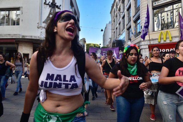 Rosario marchó y reclamó contra la violencia hacia las mujeres