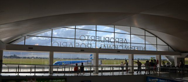 Los trabajadores del Aeropuerto de Rosario, en alerta por la chance de ser sociedad anónima