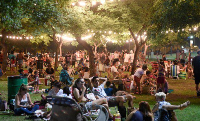 Hoy, picnic nocturno en Pellegrini y Crespo