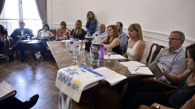 La reunión realizada ayer en el Concejo desató la polémica.