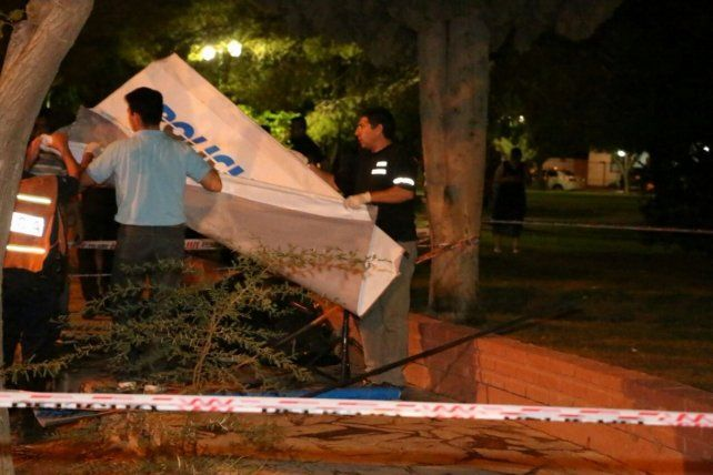 Mortal. Un rayo mató a un joven que esperaba a su novia en una plaza de San Juan.