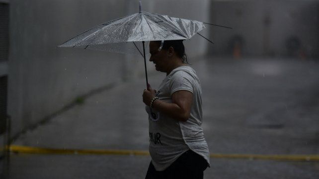 Rige un alerta por fuerte lluvias para la región sur de Santa Fe.