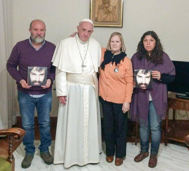 El Papa Francisco recibió a los familiares de Santiago Maldonado.