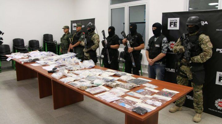Incautaron droga por cinco millones de pesos en el operativo en Firmat y Rosario