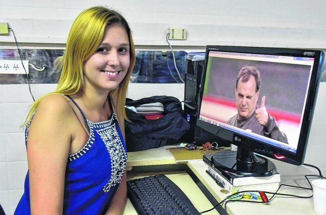 Aprobada. Lucía Montané defendió ante un jurado de Comunicación Social un trabajo sobre el discurso disruptivo en el fútbol actual de Marcelo Bielsa y aprobó con 10.