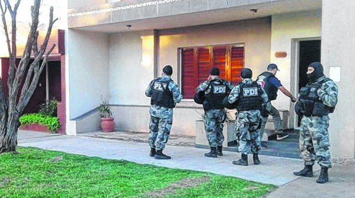 allanamientos. Una de las 23 incursiones en propiedades