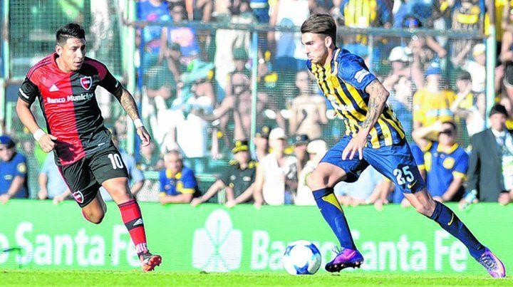 El caudillo del medio. Maximiliano González recupera la pelota y sale limpio