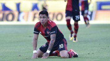 Resignado. Sarmiento no pudo guiar a sus compañeros a la victoria. Discutió mucho, jugó poco.