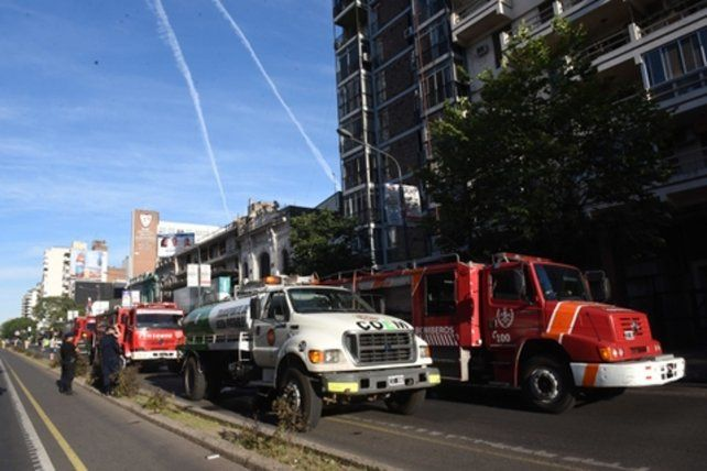 fuerte operativo. El fuego destruyó los dormitorios y el baño del inmueble afectado.