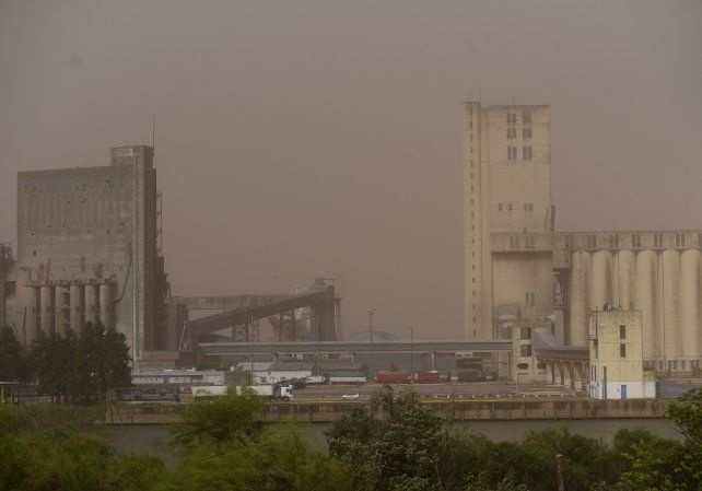 El Servicio Meteorológico lanzó un alerta por posible caída de granizo en Rosario y la zona