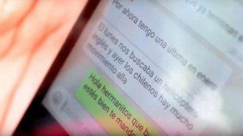 Busca explicación. Jésica Medina guarda en su celular el mensaje de su hermano: El lunes nos buscaba un helicóptero inglés y ayer los chilenos. Hay mucho movimiento allá.