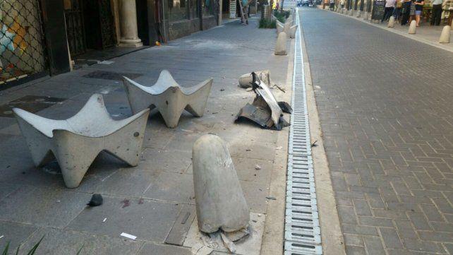 Los daños en Sarmiento al 700. Esta mañana quedaron los rastros del fuerte impacto.