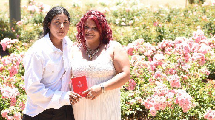 Rosa y Paola dieron el sí con una emotiva ceremonia en el Rosedal.