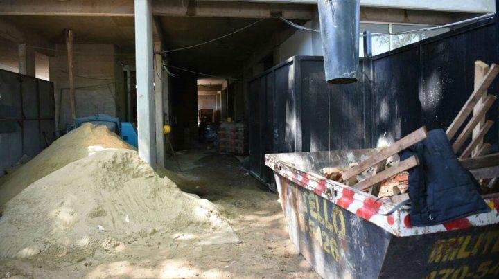 Hallaron un hombre muerto en una obra en construcción