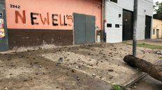 Rastros del enfrentamiento ocurrido frente al supermercado de Avellaneda al 3900.