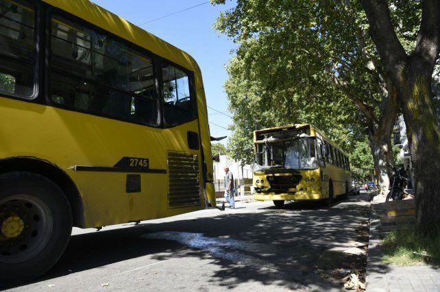 Dieciocho pasajeros heridos tras el choque entre dos colectivos en Arroyito