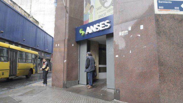 Por el paro bancario, Ansés adelanta el pago a los jubilados y AUH