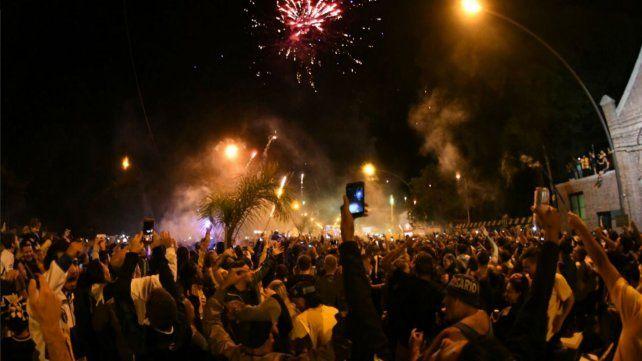 Los canallas coparon Alberdi para celebrar los 128 años de Central