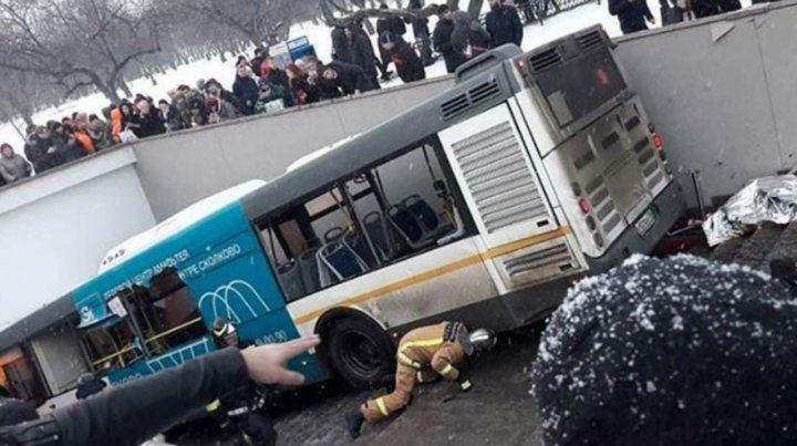 Cinco muertos y catorce heridos tras ser atropellados en Rusia