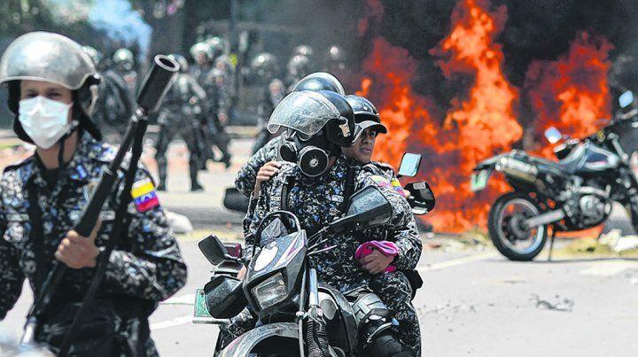 Violencia en las calles. Cuatro meses de masivas movilizaciones contra el gobierno chavista dejaron 120 muertos.