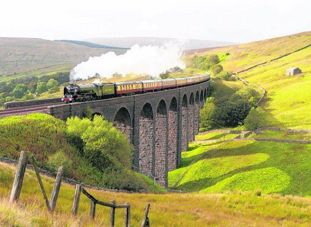 Periplo de dos semanas a bordo de un tren a vapor