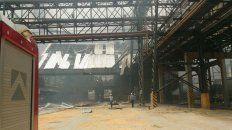 Así quedó por dentro la fábrica donde ayer sucedió el siniestro.